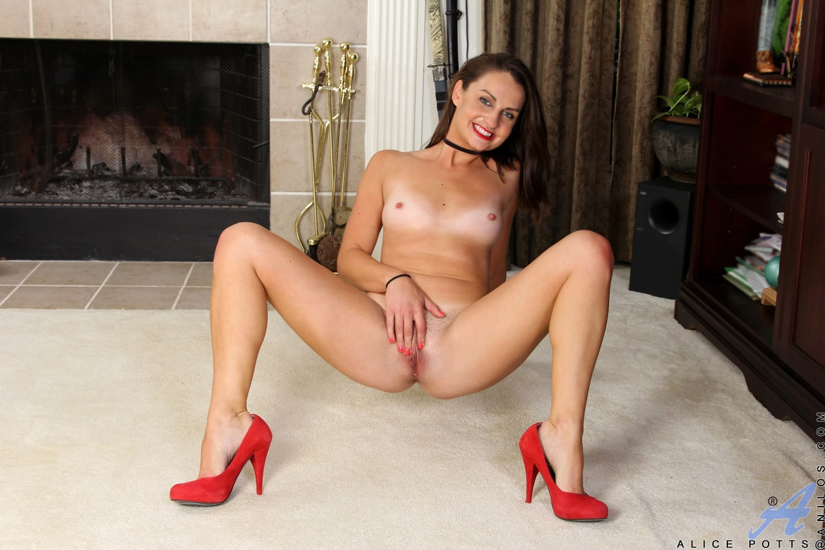 Alice Potts - Anal Arousal | Picture (9)