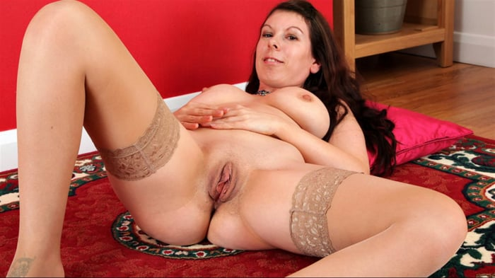 Emily Winters in Big Naturals