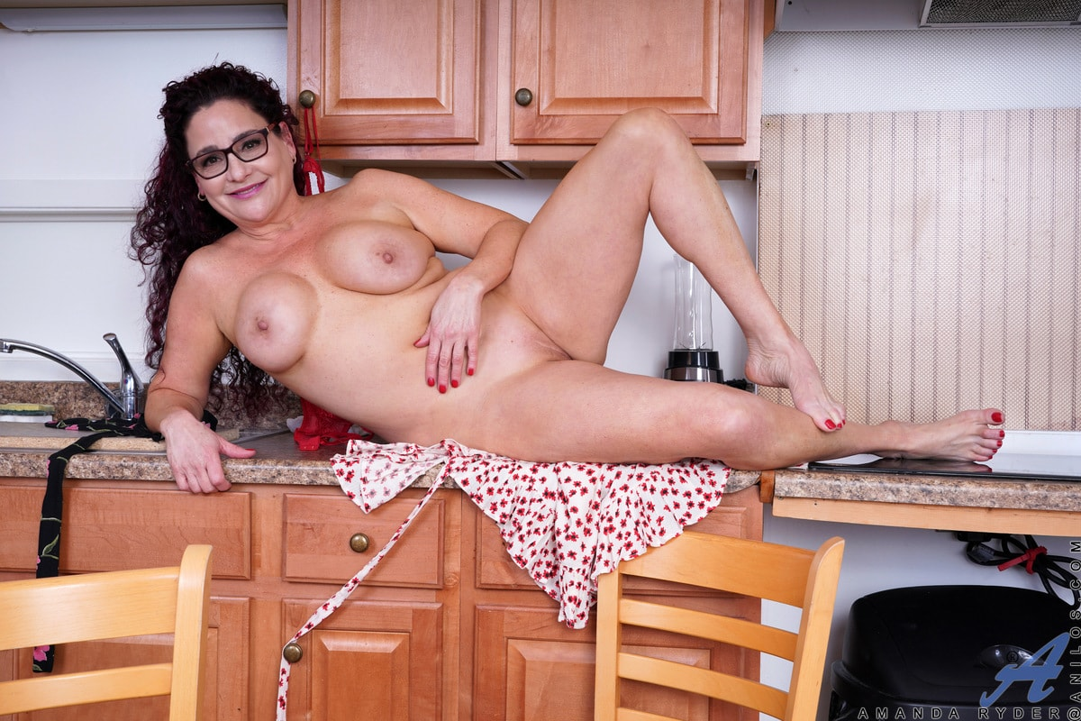 American milfs in hottest new porn pics
